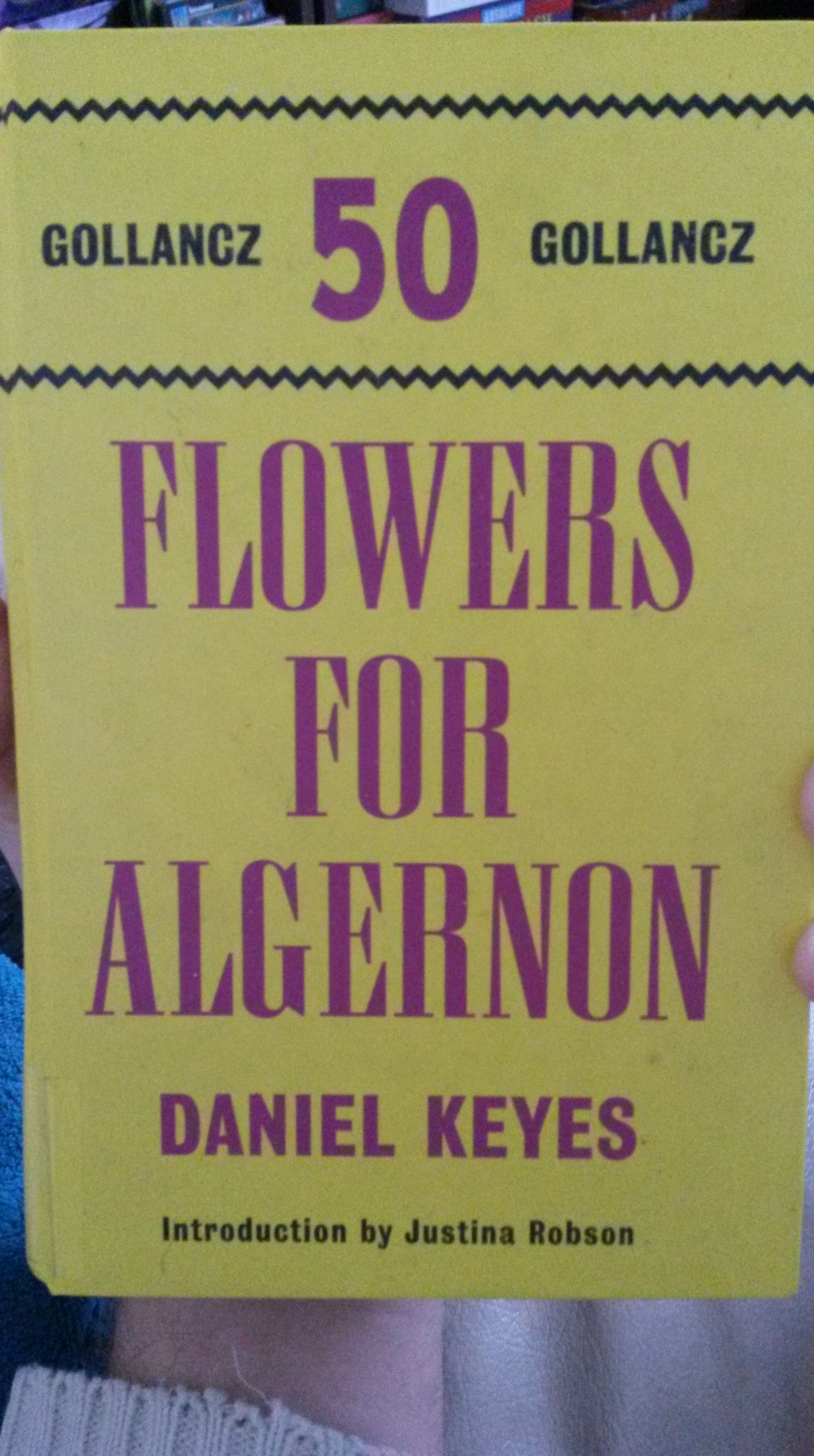 a review of flowers for algernon by daniel keyes